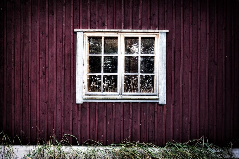 window-2438751_960_720